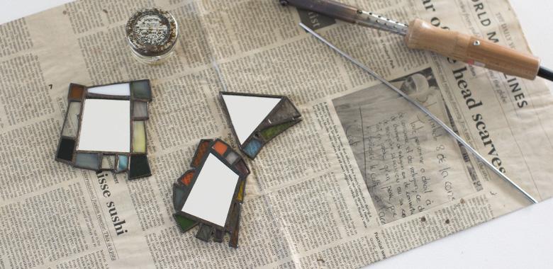ateliermadoステンドグラスの手鏡1日教室