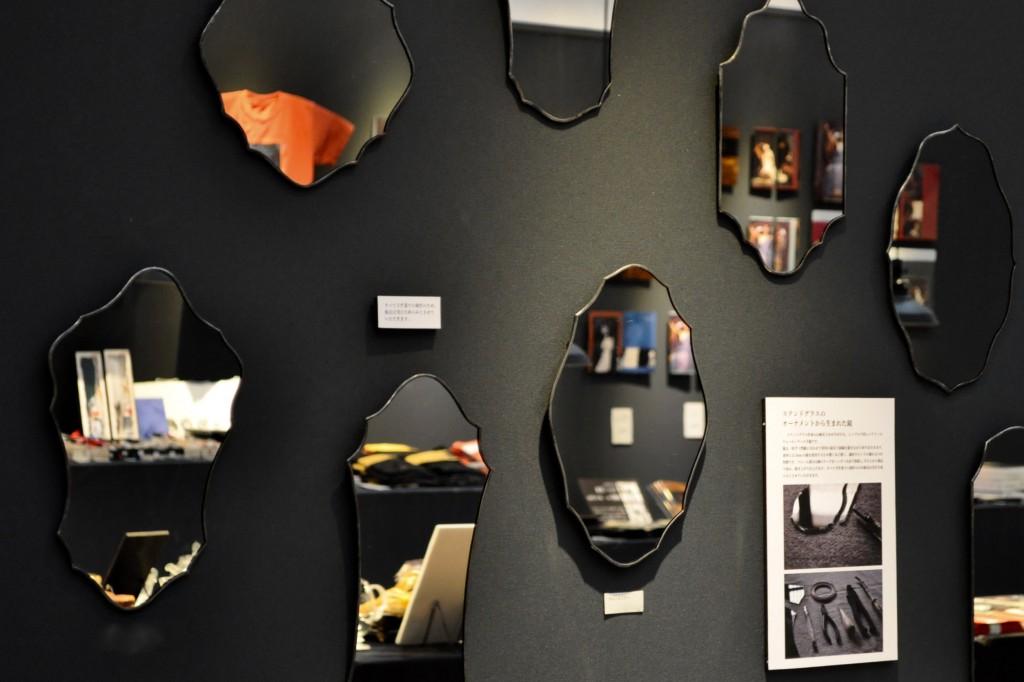 atelier mado 神戸 ステンドグラス ウォールミラー 鏡 怖い絵展 ミュージアムショップ ミュージアムグッズ 兵庫県立美術館 上野の森美術館 キルケー